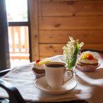 """Завтрак в постель в коттеджах ''Каштак"""""""