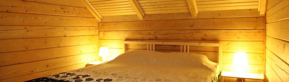 На втором этаже – две спальни, в одной из них – французский балкон с видом на море